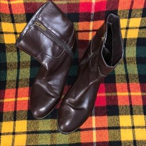 ❤️Marc FISHER brown zip ankle boots sz 8